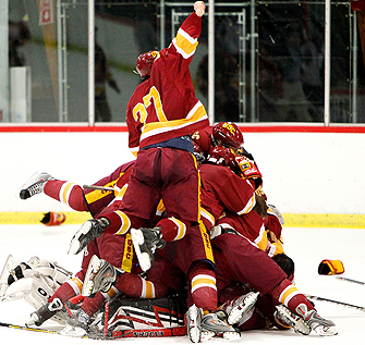 USC Hockey Coach Tests the Ice as GM
