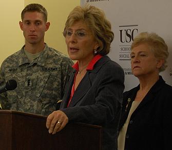 Boxer Lauds USC's Military Social Work Program