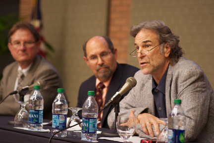USC professor John Brekke, right, told the forum that homeless individuals die 25 years earlier than the rest of the population. (Photo/Brian Goodman)