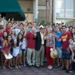 President and Mrs. Nikias welcome students 2012