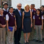 USC President C. L. Max Nikias and first lady Niki C. Nikias greet students from New Designs Charter School, a college-preparatory school that has been a GNC-funded recipient of USC Neighborhood Outreach grant recipient for the past few years. (Photo/Dietmar Quistorf)