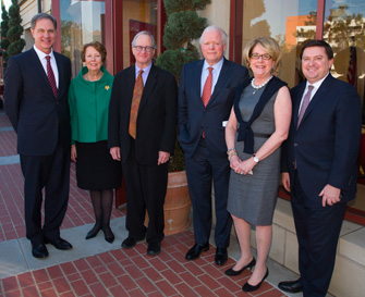 From left, USC Price Dean Jack H. Knott; Susan Magill, vice president of advancement, Mount Vernon; Professor David Sloane; Curt Viebranz, president and CEO, George Washington'€™s Mount Vernon Estate; Maribeth Borthwick '73, vice regent, Mount Vernon Ladies'€™ Association; and Stewart McLaurin, vice president, Fred W. Smith National Library (Photo/Tom Queally)