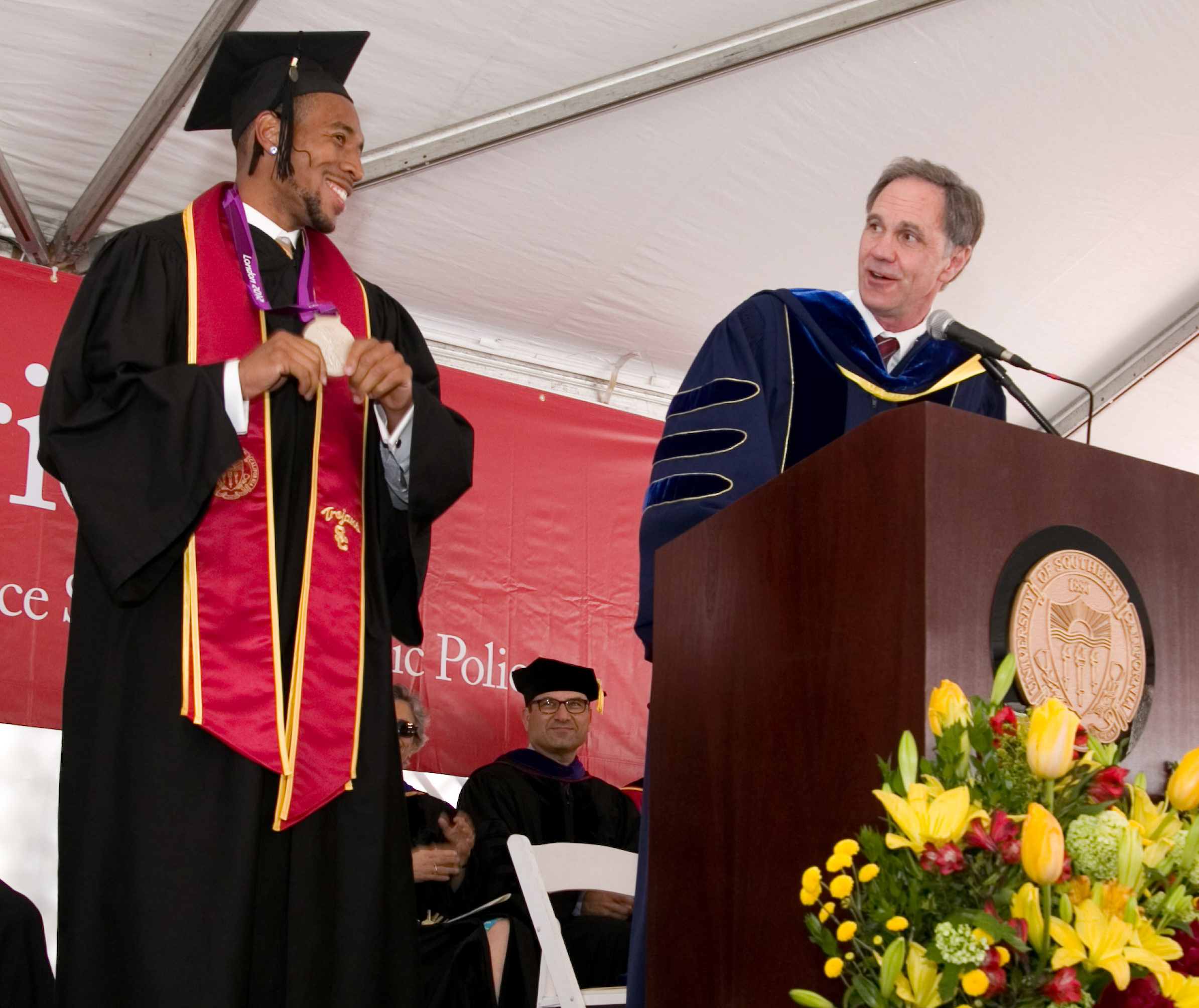 Bryshon Nellum with USC Price School of Public Policy Dean Jack H. Knott (USC Photo/Tom Queally)
