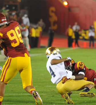USC will continue to host the Fighting Irish on Thanksgiving weekend in even-numbered years. (Photo/Dan Avila)