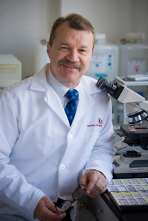 Michael Press, professor of pathology at the Keck School, and his collaborators from several other institutions are examining the genetics of ovarian cancer.