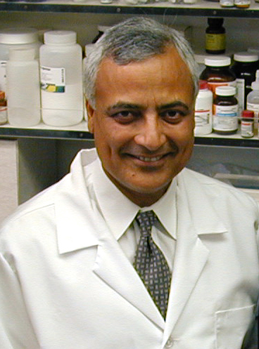 Parkash Gill received a grant from the Hirshberg Foundation to help study the receptor protein EphB4's role in pancreatic cancer. (USC Photo/Jon Nalick)