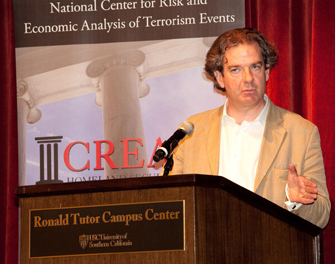 CNN national security analyst Peter Bergen lectures at the Ronald Tutor Campus Center. (USC Photo/Srdjan Simonovic)