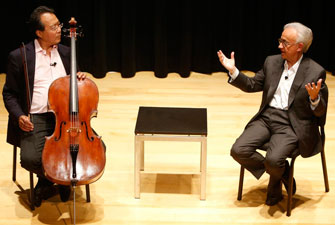 Cellist Yo-Yo Ma and University Professor Antonio Damasio engage in a spontaneous discussion about music's role in reducing personal pain and increasing joy. (USC Photo/Steve Cohn)