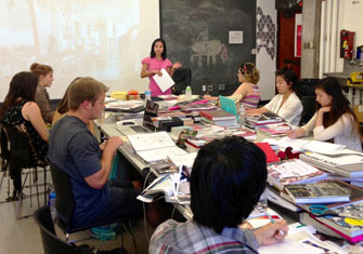 Seyie Putsure Speaks To Students About Her Experiences As A Fashion Executive And Interior Designer Photo Lorrie Ivas