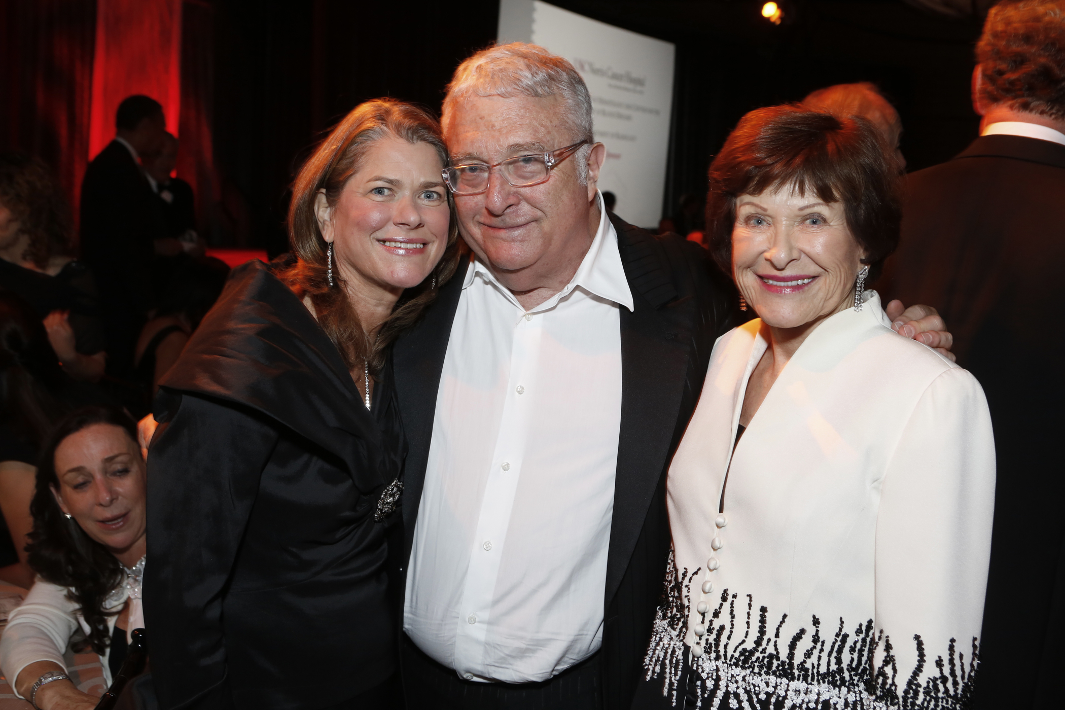 Lisa Hansen, chair of the Norris Foundation, with musician Randy Newman and USC Trustee Harlyne Norris at the 40th anniversary gala for the USC Norris Comprehensive Cancer Center (USC Photo/Steve Cohn)