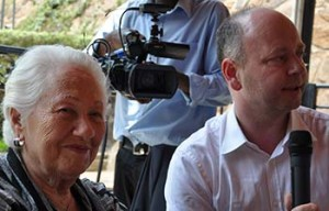 Stephen Smith and Renee Firestone, a Holocaust survivor who gave her testimony to the USC Shoah Foundation's Visual History Archive, in Rwanda (Photo/courtesy of the USC Shoah Foundation)