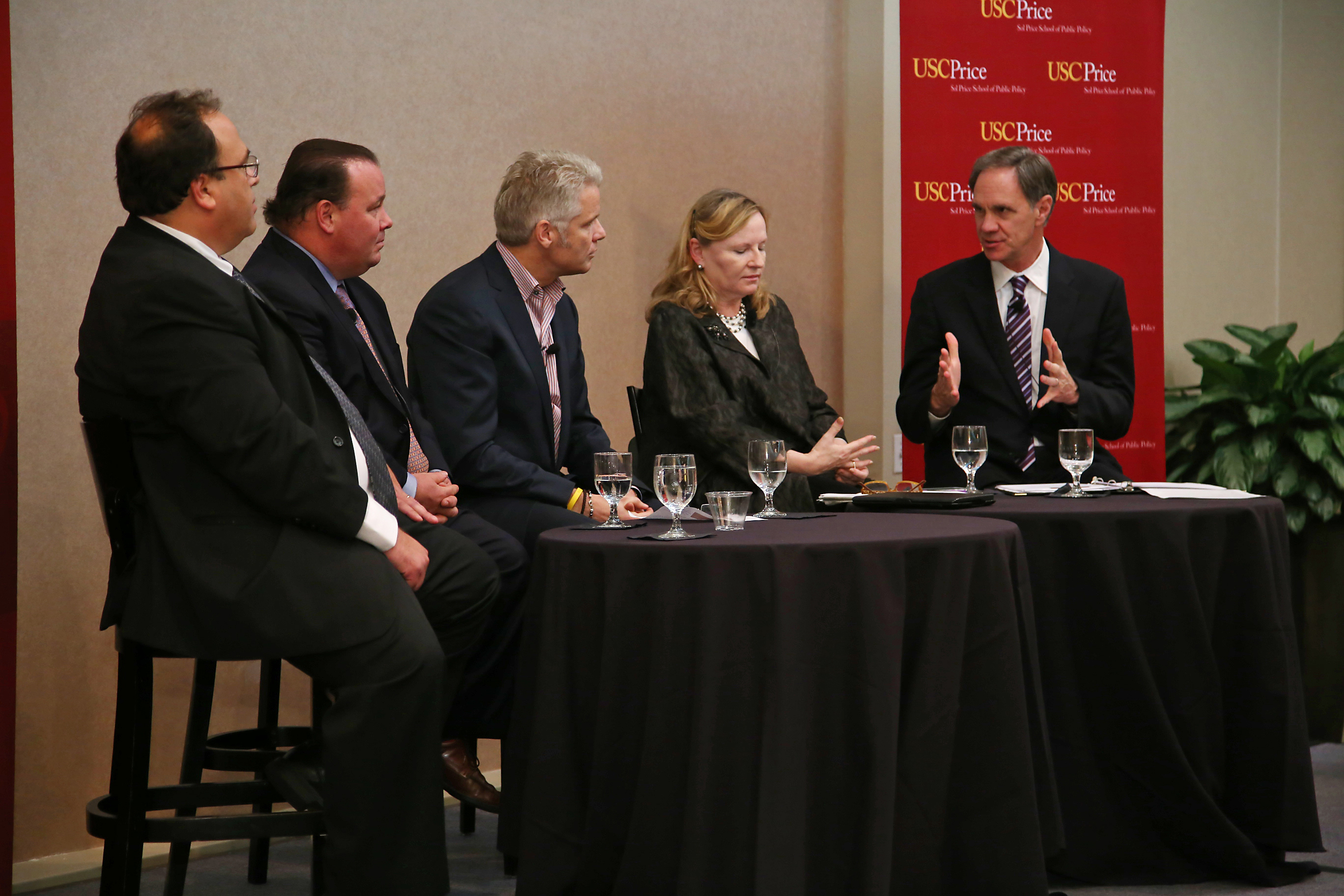 Steve Berliner, Michael Busch, Bob Deis and Harriet Welch discuss Chapter 9 with USC Price Dean Jack H. Knott (USC Photo/Tom Queally)