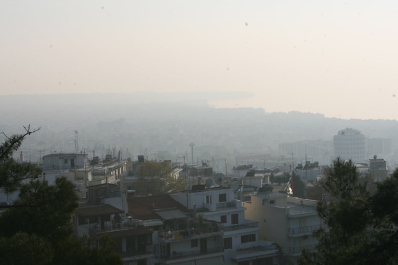 Smoky conditions in Thessaloniki (Photo/Arian Saffari)