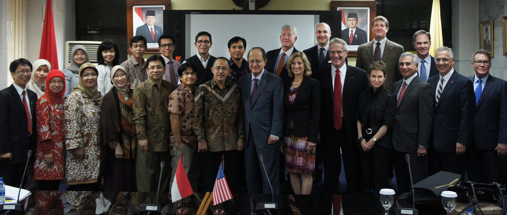 The USC Delegation meet with faculty and leadership of Universitas Indonesia in Jakarta.
