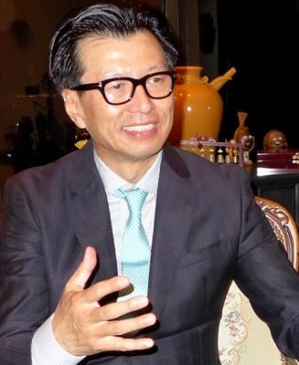 Keck School scientist Wei Li