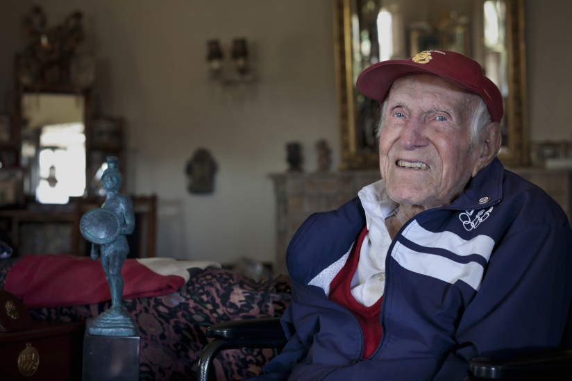 Louis Zamperini at home