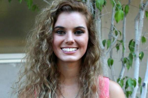 Emily Zolfaghari headshot
