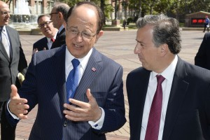 Max Nikias and Jose Antonio Meade