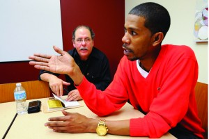 Young Guru, USC artist in residence, speaks during a music seminar taught by Ken Lopez, chair of the USC Thornton music industry program. (Photo/ Gus Ruelas)