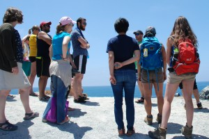Students in the International Geobiology Summer Course enjoy an afternoon of field study on Catalina Island. (Photo/Letty Avila)