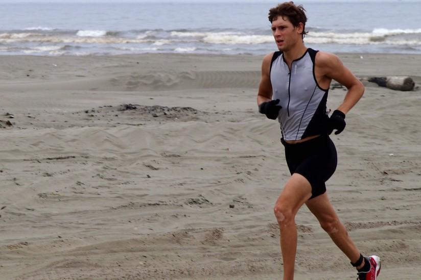 Jordan Perry competes in triathlon