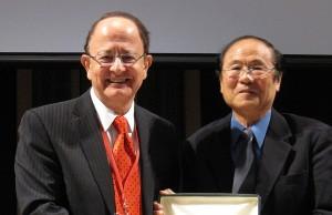 President Nikias and UC Santa Barbara Chancellor Henry T. Yang