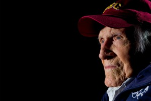 Longtime Trojan Louis Zamperini '40 was lauded for his bravery and never-surrender spirit. (Photo/David Ahntholz and Tracy Boulian)
