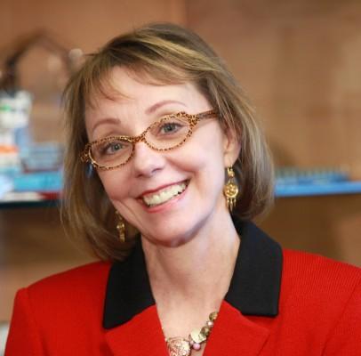alumna Geraldine Knatz