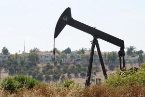 Baldwin Hills oil well