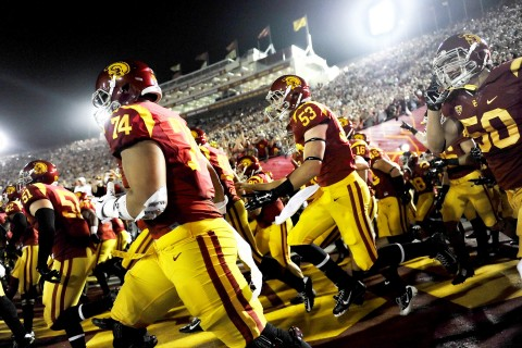 USC Trojans take the field at the Los Angeles Memorial Coliseum (Photo/John Pyle, Cal Sport Media)