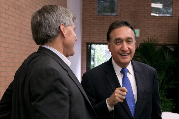 Henry Cisneros and attendee