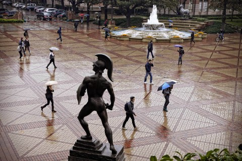Tommy Trojan in the rain