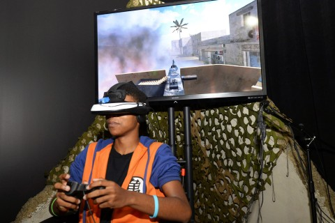 Virtual Reality Exposure Therapy program during James A. Foshay Learning Center's visit to The The University of Southern California Institute for Creative Technologies,