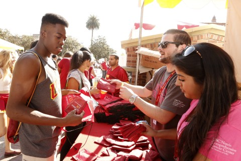 10/18/14 Los Angeles, CA USC Alumni Association Homecoming Photo by: Steve Cohn