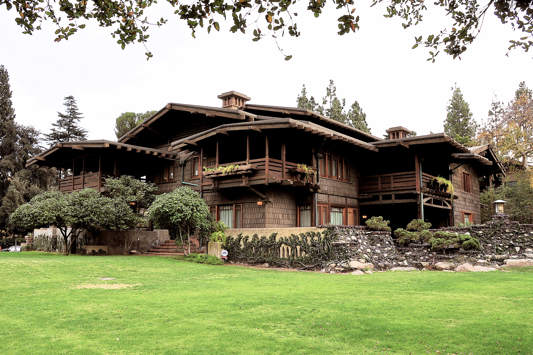 The Gamble House Serves As Familiar Setting For Usc Architectures
