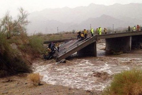 Collapsed I-10 bridge