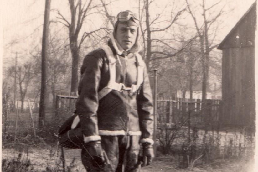 Alum John Walter, 1944