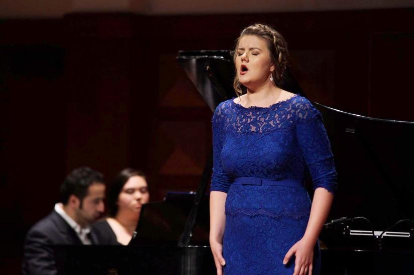 Yelena Dyachek sings