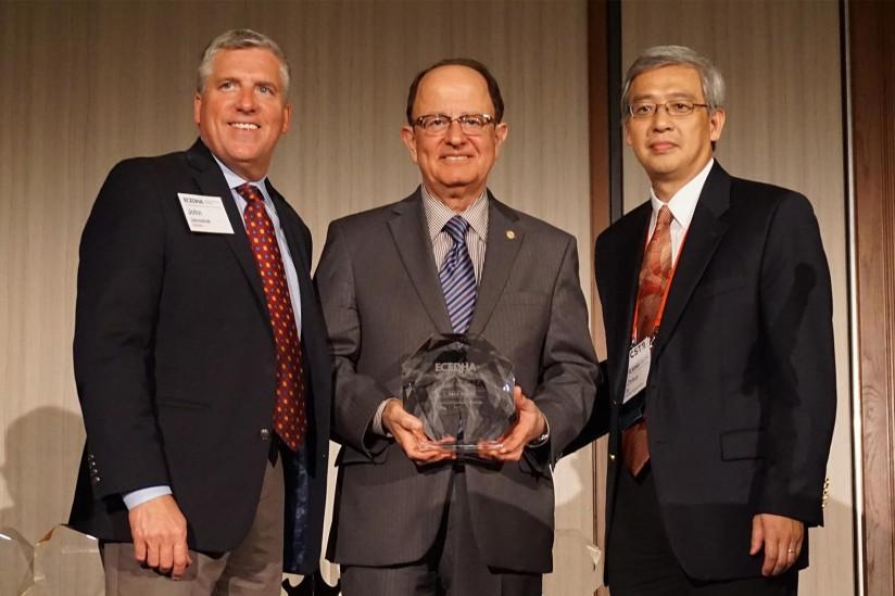John Janowiak, C. L. Max Nikias and Zhihua Qu