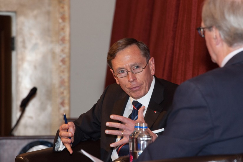 Petraeus Discusses Iraq War Counterinsurgency During Usc Price Visit Usc News