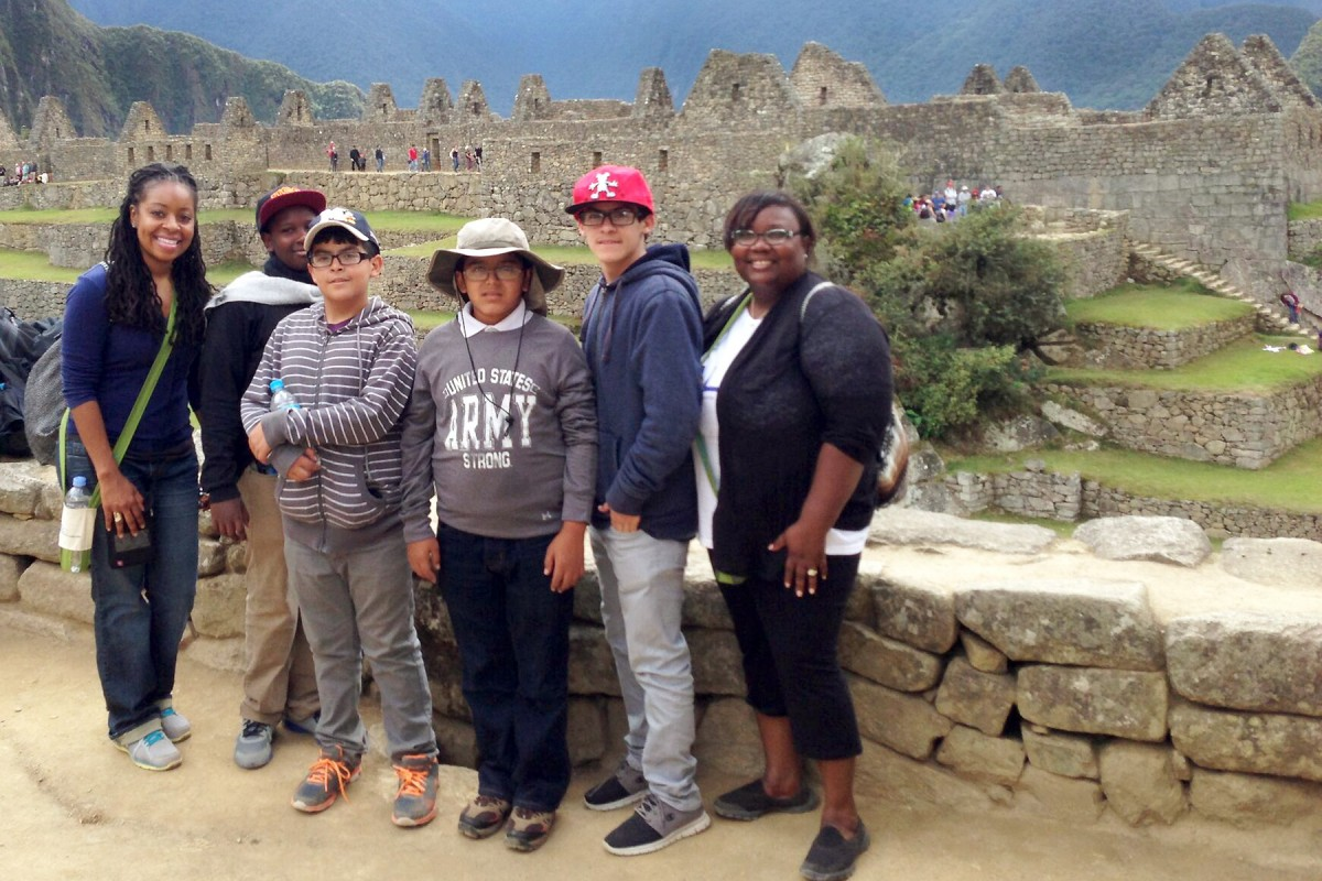Patton, left, with students in Machu Picchu, Peru. (Photo/Courtesy of Kiahnna Patton)