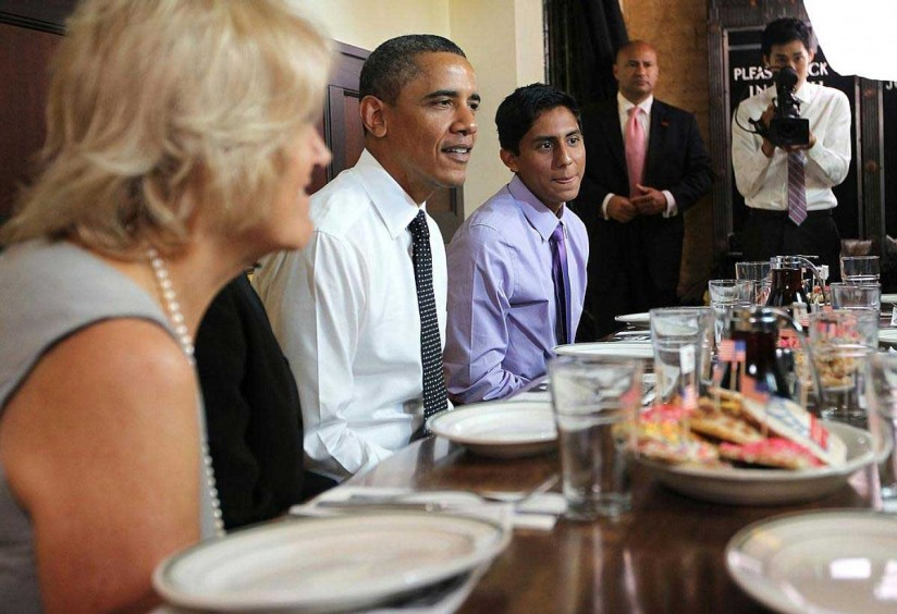 President Obama and Oscar De Los Santos at lunch