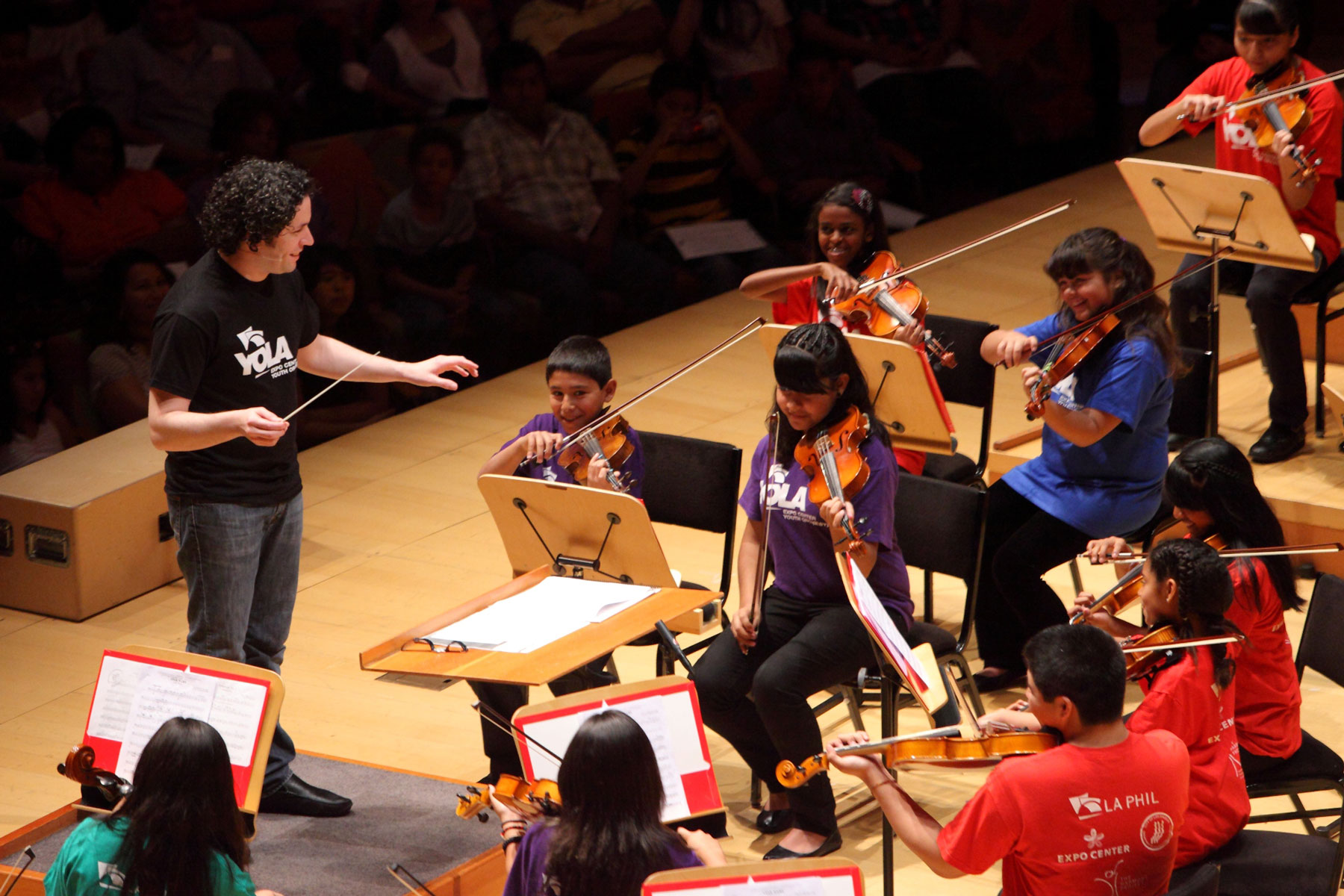 Dudamel conducting children's orchestra