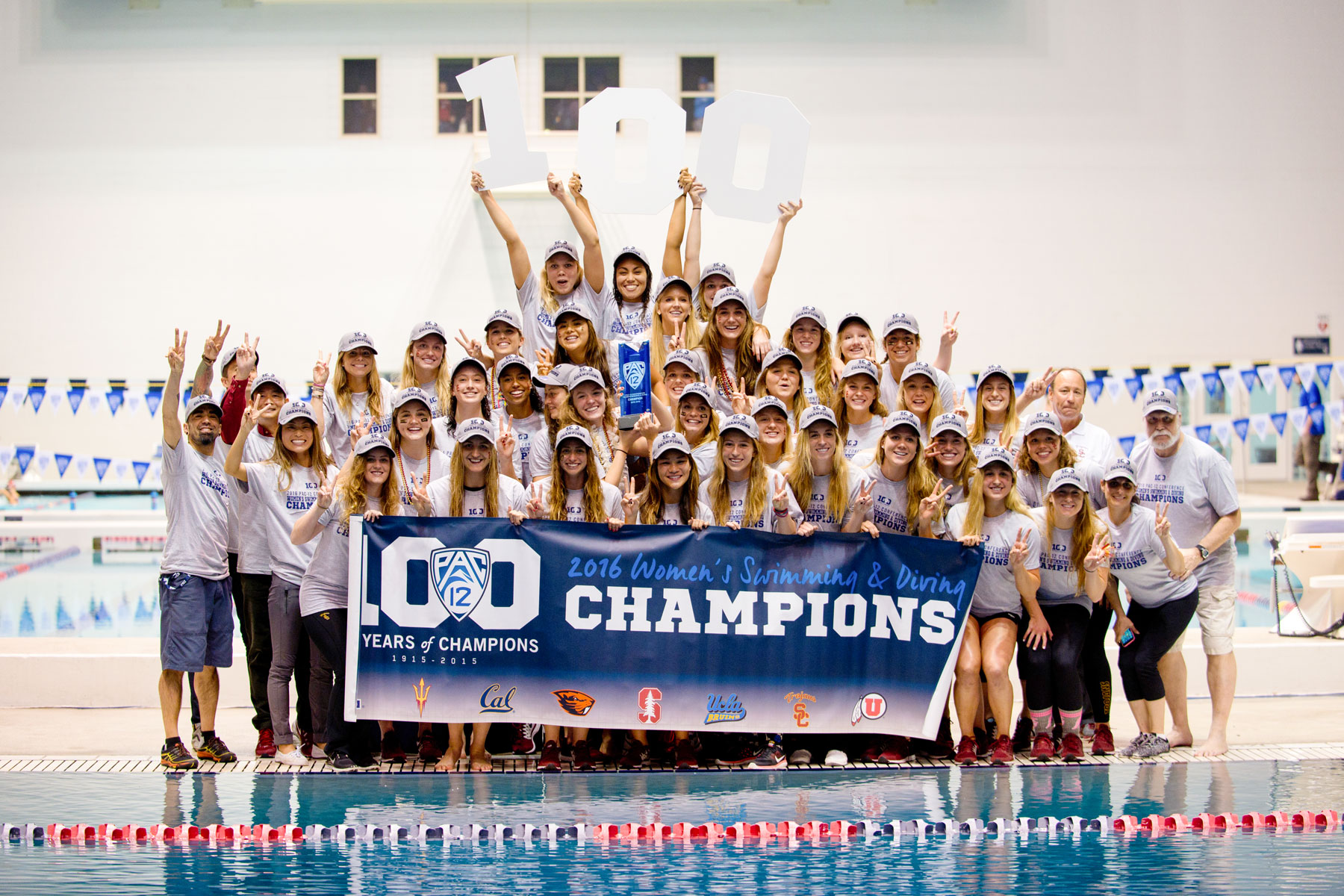 women's swim team photo