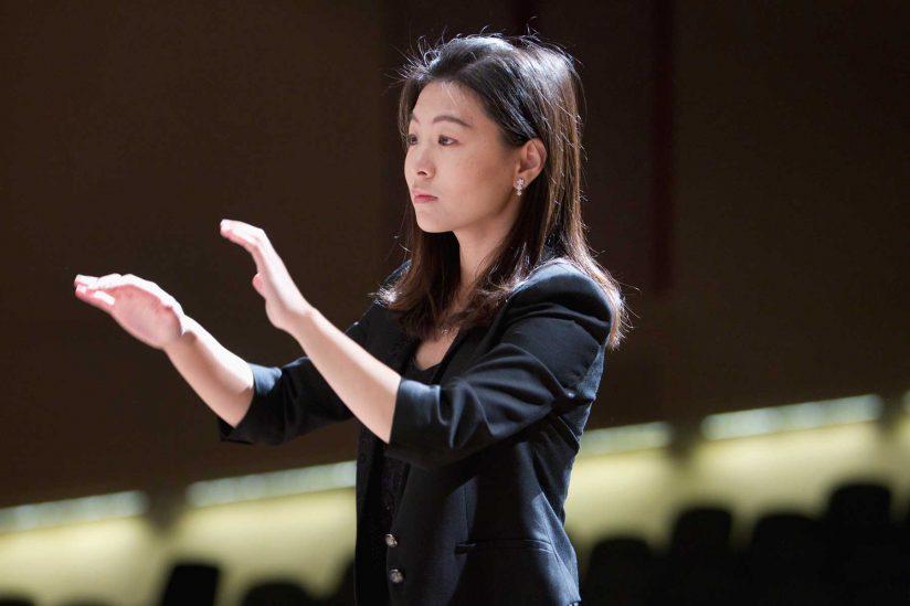Jenny Wong conducting