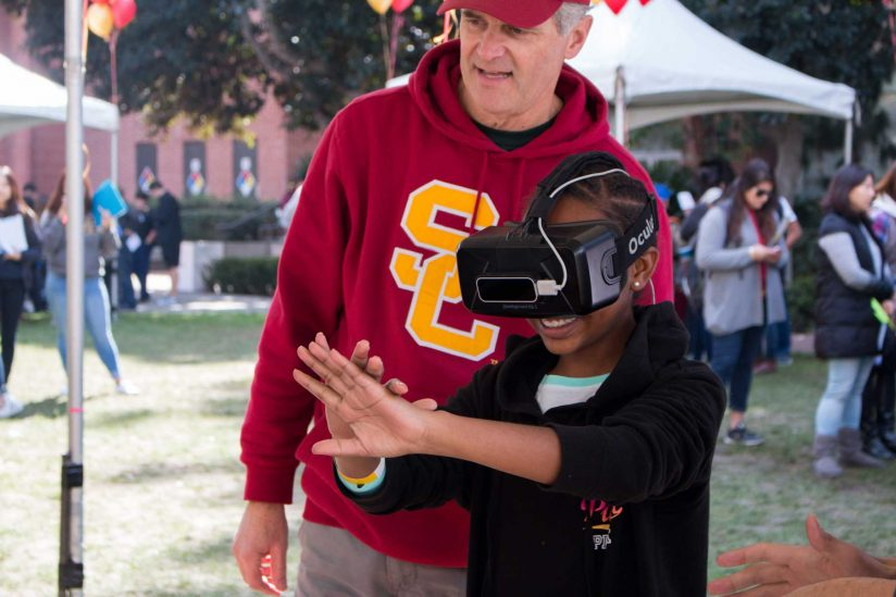 student trying oculus-rift
