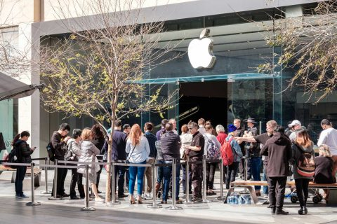 Lines to buy iPhones