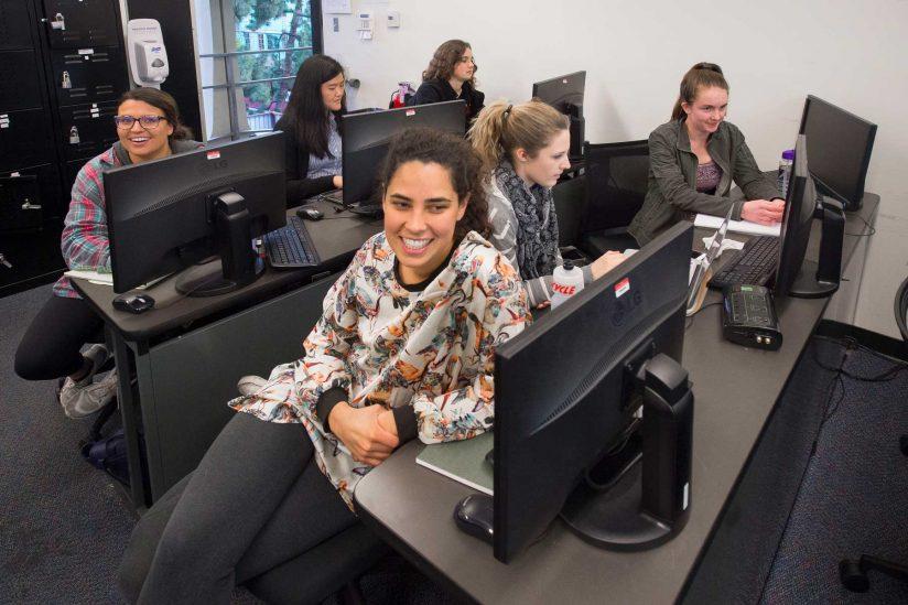 women in computer lab