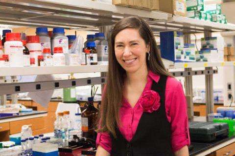 Cristina Zavaleta in lab
