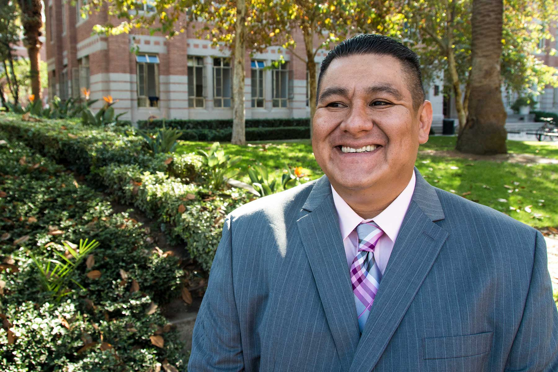 Jose Barron USC social work